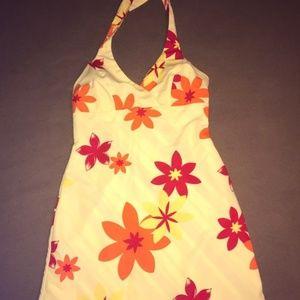 Dresses & Skirts - The cutest tie neck flower dress Size medium
